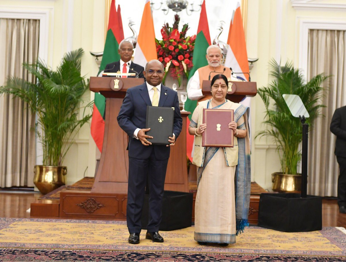 India extends 1.4 billion dollar aid to Maldives
