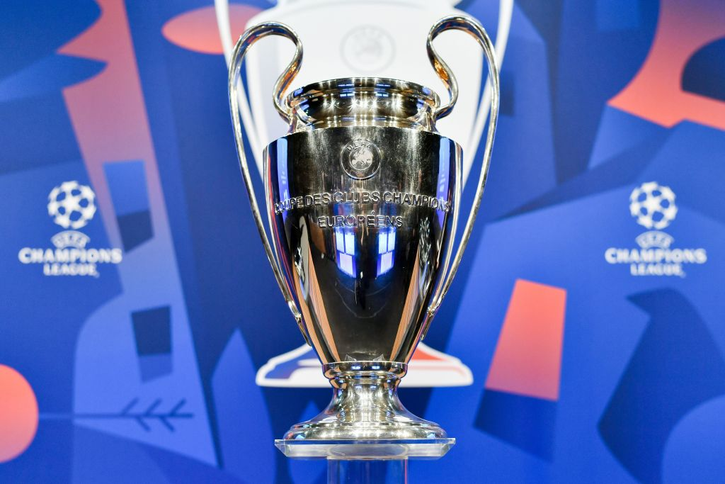 Full Champions League draw:  ⚽ Schalke v Man City ⚽ Atletico Madrid v Juventus ⚽ Man Utd v PSG  ⚽ Tottenham v Borussia Dortmund ⚽ Lyon v Barcelona ⚽ Roma v Porto  ⚽ Ajax v Real Madrid  ⚽ Liverpool v Bayern Munich 👉 https://t.co/22eR5fKHWf #UCLDraw #bbcfootball