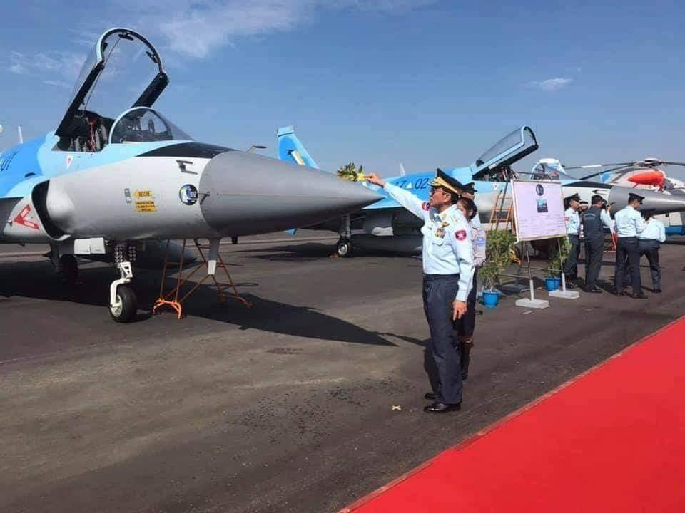 اول مقاتله مخصصه للتصدير الى ميانمار نوع FC-1/JF-17 تمت مشاهدتها في الصين  DunX10PX4AENlCv