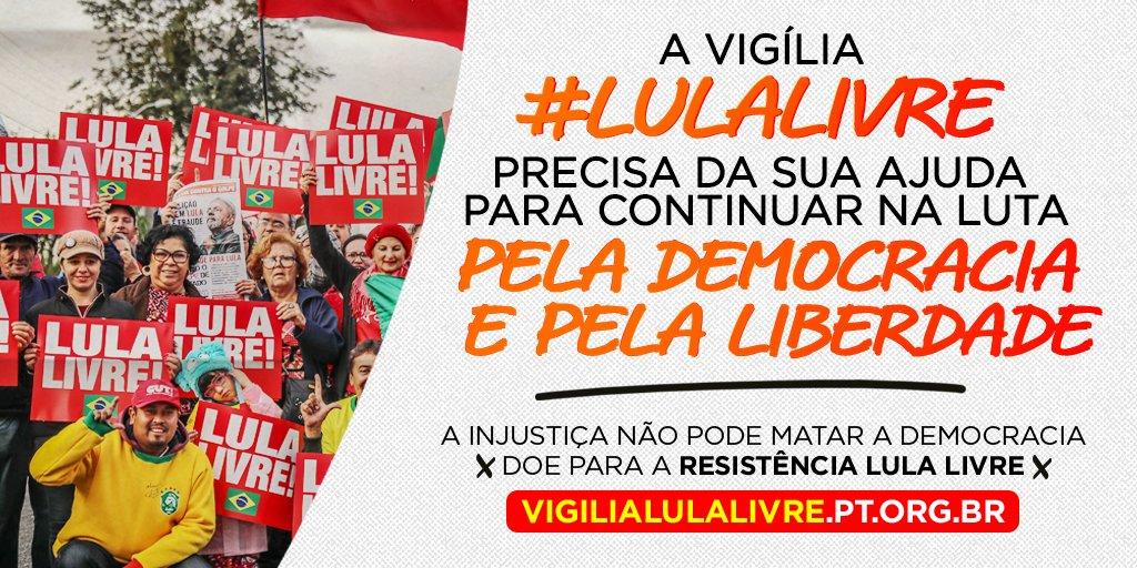 A Vigília #LulaLivre está há mais de 250 dias junto ao ex-presidente Lula em Curitiba, desde que foi injustamente preso em 7 de abril. Lá são recebidos e acolhidos apoiadores das mais diversas regiões do Brasil. Doe e contribua no site: https://t.co/127jmDl8rU
