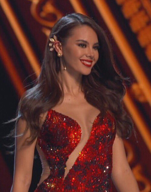 Sorry guys may nanalo na. CATRIONA GRAY VS CARTOLINA'T CLAY Congratulations @catrionaelisa you made us all proud! ♥️