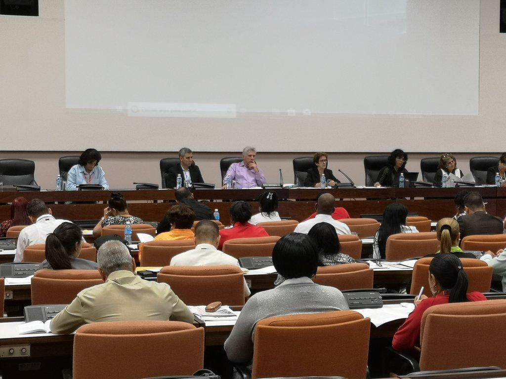 Presidente cubano anuncia nuevos espacios para facilitar contacto con el pueblo