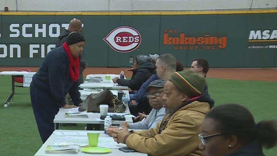 Ohio group helps provide Christmas meals in Cincinnati, across state https://t.co/aaeqK3SBA9