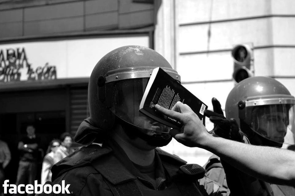 #FacebookDown Latest News Trends Updates Images - Fabriche_