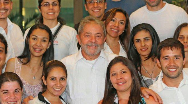 """""""Lamento que o preconceito tenha sido mais importante que a saúde dos brasileiros"""", diz @LulapeloBrasil em carta a cubanohttps://t.co/oMCSAdvT66s:"""