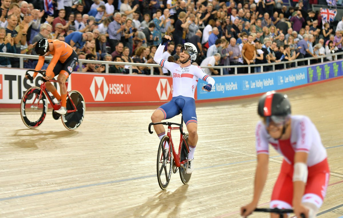 Incredible feats captured in a moment 📸  Here's the #TissotUCITrackWC in pictures!  👉 http://www.trackworldcup.co.uk/2018/12/tissot-uci-track-cycling-world-cup-london-2018-in-pictures/…