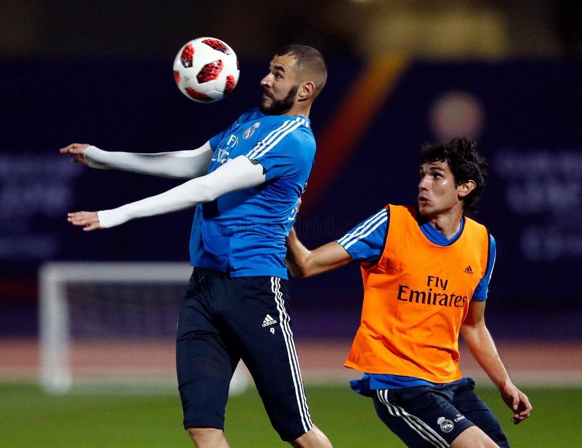 Benzem se entrenó con normalidad pese a que el sábado se retirara del partido ante el Rayo por un golpe en el tobillo izquierdo.