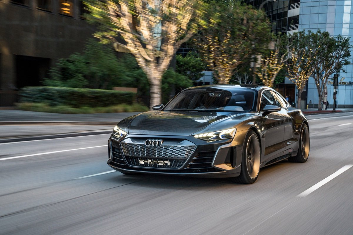 The upcoming @Audi E-Tron GT feels like a four-seat, electric R8. We drive the concept in LA: http://bit.ly/2ExCsiI