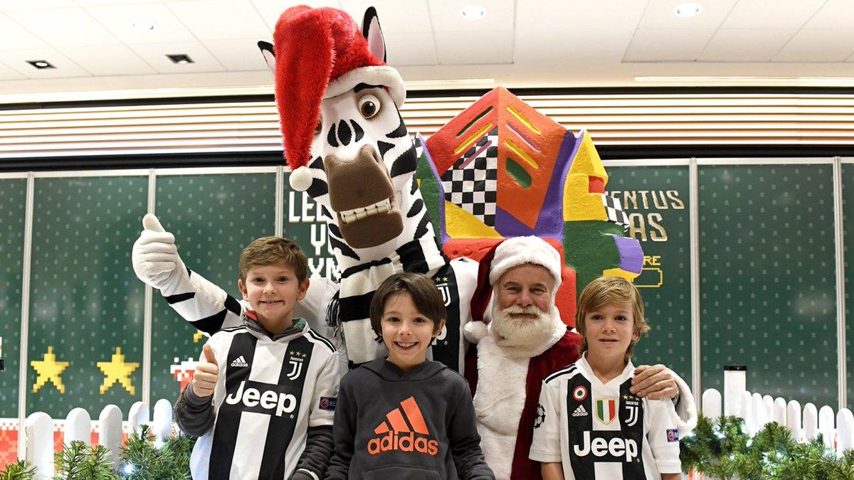 Quando il Natale è ⚫⚪.. è Junior Christmas: la festa degli #JuniorMember all'#AllianzStadium!  👉 http://juve.it/8rrW30n1cN5  #JUVENTUSXMAS