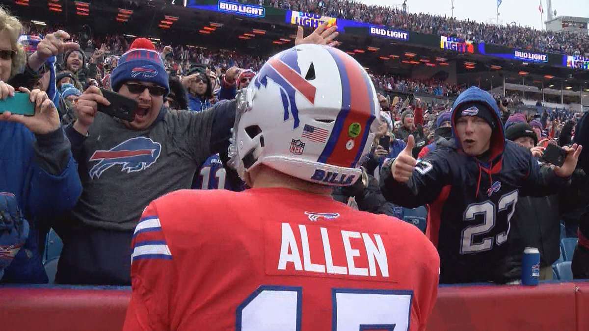 Find someone in life that looks at you the way #GoBills  fans look at Josh Allen...  #BillsMafia<br>http://pic.twitter.com/wZxhSrf9Zh