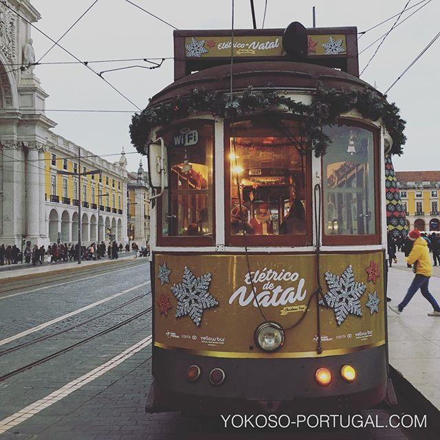 test ツイッターメディア - クリスマス仕様の路面電車。サンタも乗ってます。 #リスボン #ポルトガル https://t.co/MNApAGRJ2D