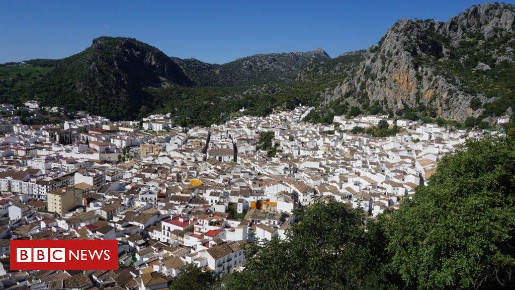 A pequena cidade espanhola que é fornecedora secreta das marcas de luxo da moda  https://t.co/5ZrG2O31NY #ArquivoBBC