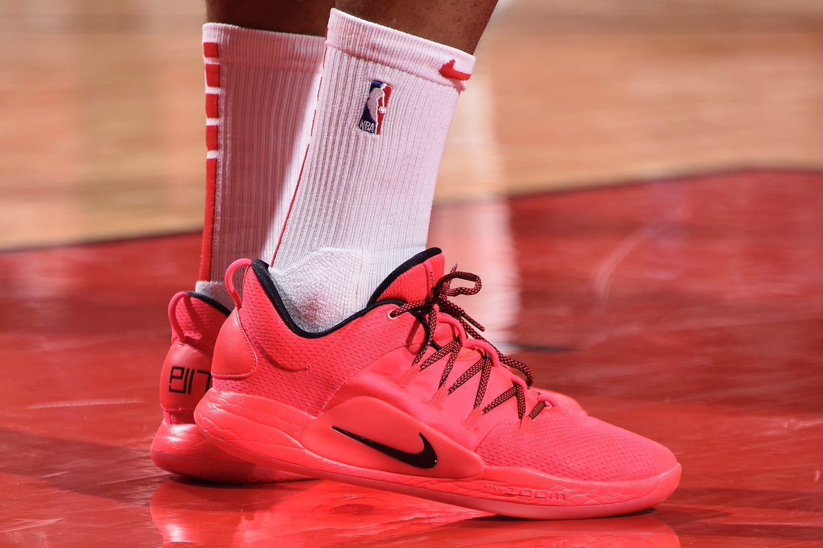 huge discount 11a3b ee907 solewatch pj tucker playing in his nike hyperdunk x low pes tonight bill  baptist
