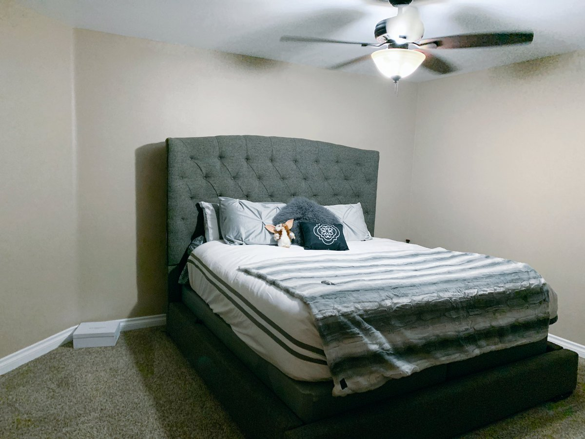 Aaron Carter On Twitter I Have An Alaskan King Mattress And I Swear On Everything I Feel Like I M Keeping In Shaq S Bed