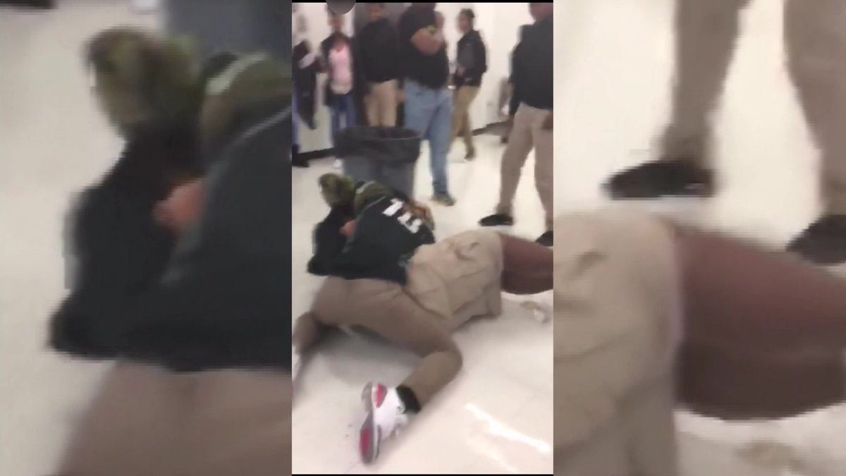 Parents worried after video shows no one stopping high school brawl #wmc5 >>https://t.co/CbdVLzbz90
