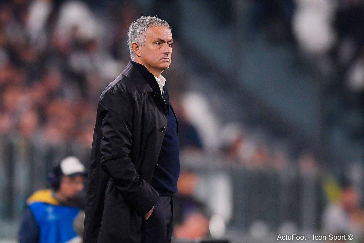 José Mourinho devrait percevoir 27 M€ d'indemnités de licenciement. (Daily Record)