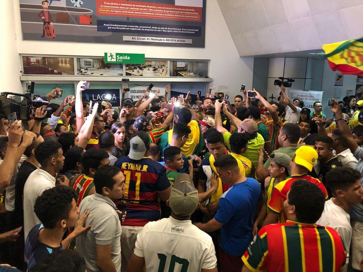 #Retrospectiva2018  Teve festa na Fonte Nova e no aeroporto de São Luis! O @_SampaioCorrea foi o campeão da Copa do Nordeste 2018! 🦈🏆 #CopadoNordeste