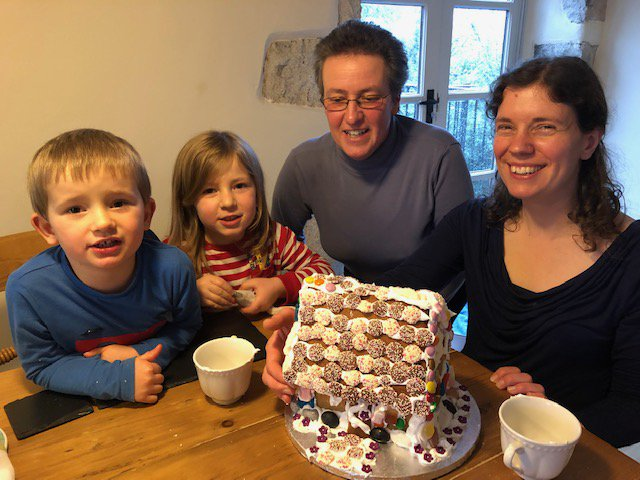Whats amazing creative guests we have staying with us at the moment! Look at this fantastic gingerbread house #cake they made - worthy of the #GBBO we reckon! Dont forget you can borrow Nanny Pats baking box during your stay - perfect for rainy days! ow.ly/W0Km30n1RGz