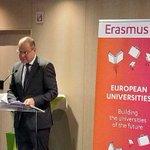 Image for the Tweet beginning: Koulutusasioiden komissaari Tibor Navracsics avasi
