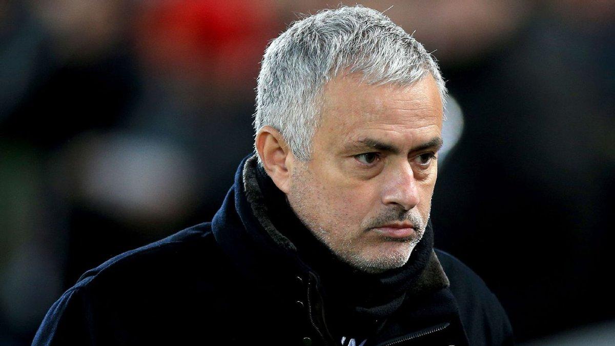 Fim da linha: Mourinho não é mais técnico do Manchester United. Veja: https://t.co/iT4BVpS7KV
