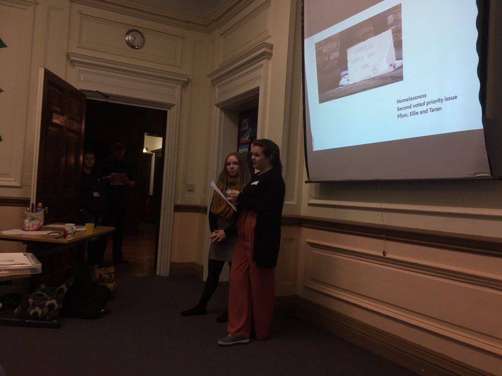 Ellie Boswell aged 14 and Ffion Wiseman ages 15 from @CaldicotSchool discussing homelessness. This was voted as one of the top three priorities in Monmouthshire as part of the #MakeYourMark Campaign. #YouthConference2018