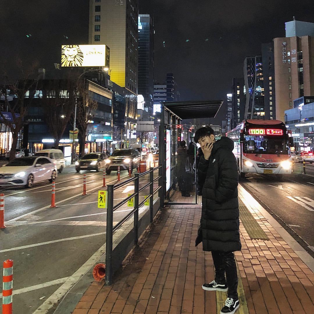 king moti finished recording his album <br>http://pic.twitter.com/8VP0v2XxDG