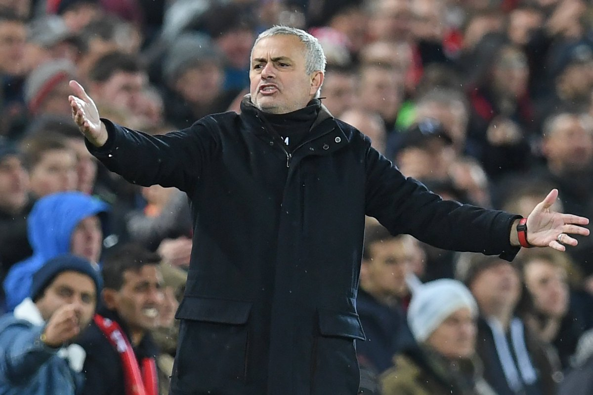 📊 Jose Mourinho 27 defeats from last 111 league games (for Man Utd & Chelsea)  27 defeats from previous 265 league games (for Chelsea, Real Madrid & Inter)