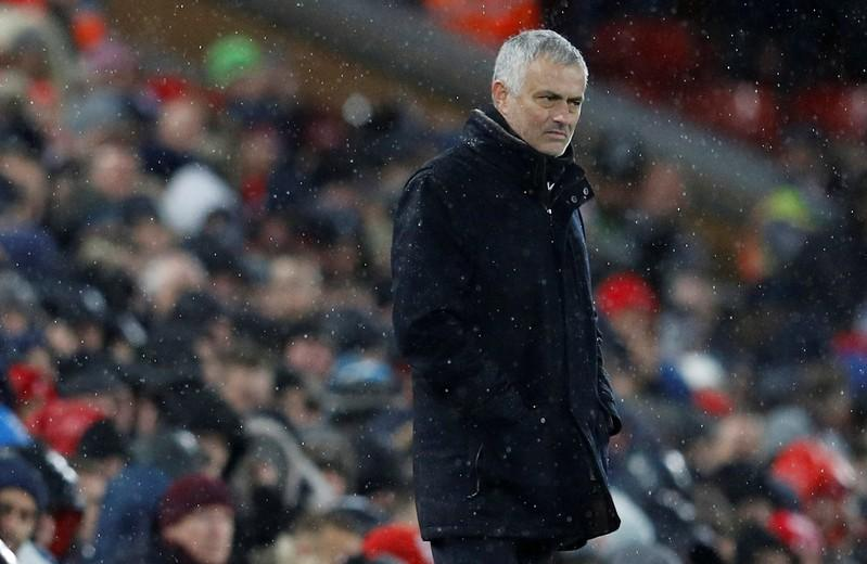 Soccer: Mourinho leaves United after poor start to season https://t.co/cAtQK0mKOY