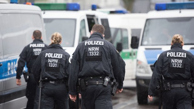 Police Raids Mosque in Berlin for Suspected Financing of Syrian Islamist - #BasNews https://t.co/m3tfu009W1