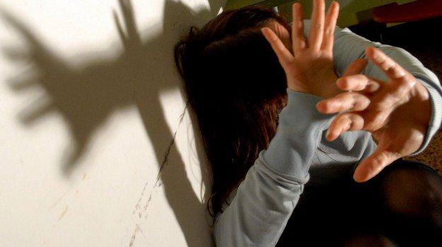 Costringe la #cugina a prostituirsi ad #Augusta, arrestato https://t.co/Cn69rrROPQ