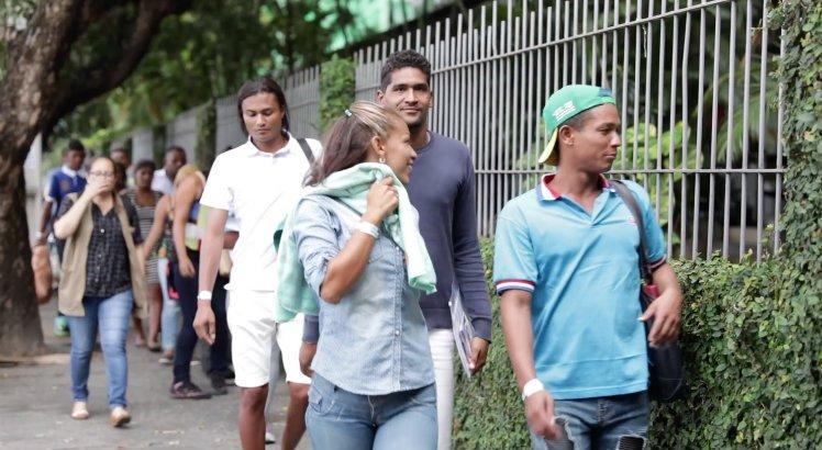 Mais de 100 refugiados venezuelanos chegam ao Recife >>