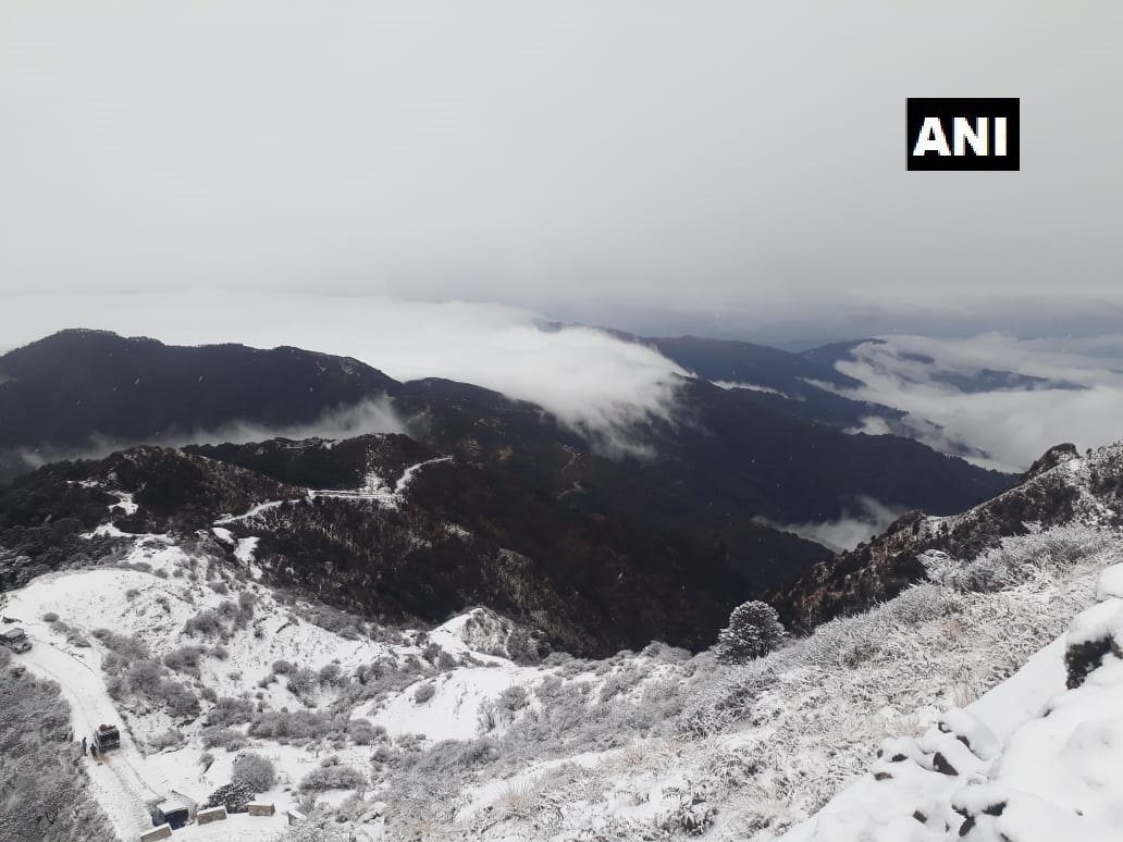 Darjeeling: #Visuals of fresh snowfall from Sandakphu, highest point of the Singalila Ridge. #WestBengal