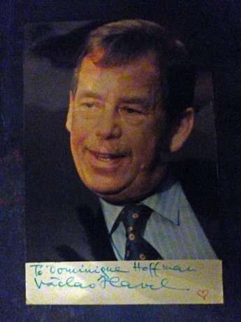 Václav Havel (#Czechia 1936-2011), - a talented writer, a courageous dissident, an inspiring politician - he changed history #OnThisDay , he died seven years ago and many people including me miss him so much. But he lives on in our hearts.  #inspiration #CeJourLà , <br>http://pic.twitter.com/QP0lLswxtY