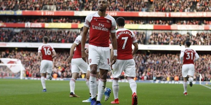 New: Sp*rs fan fined and banned for throwing banana skin at Aubameyang https://p1r.es/2Cl6IuY #arsenal #afc