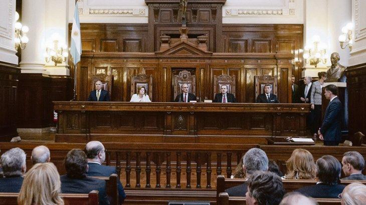 - Por 4 votos contra 1, se dio a conocer el fallo del máximo tribunal de Justicia de la Argentina