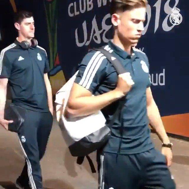 🚶♂️🏟 Último entrenamiento antes de la semifinal. ¡Mira la llegada del equipo! #RMCWC | #HalaMadrid