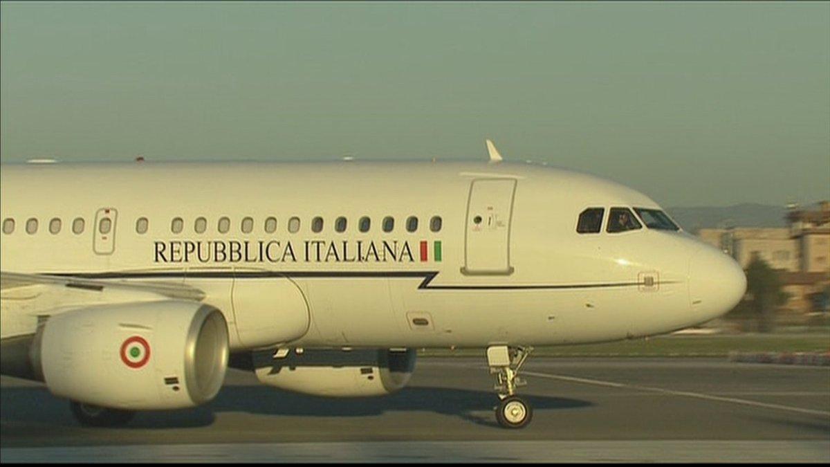 Atterrato a Ciampino l'aereo con la salma di Megalizzi https://t.co/4LHmhddhSB