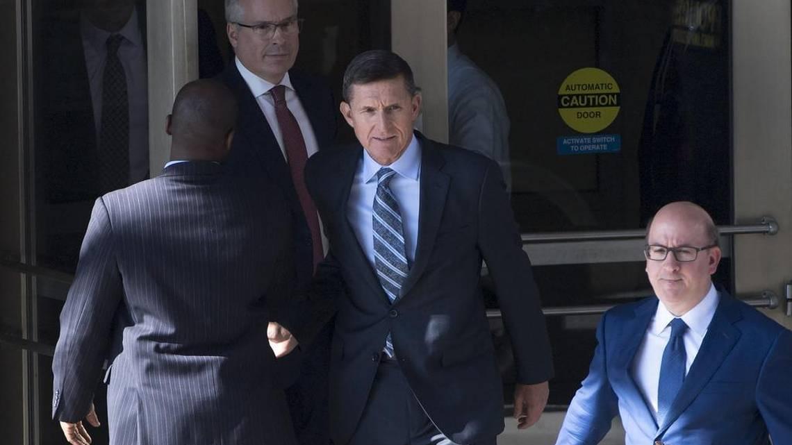"""#Trump desea """"buena suerte"""" a Flynn antes de que se conozca su sentencia https://t.co/jQ3w8yzDGT"""
