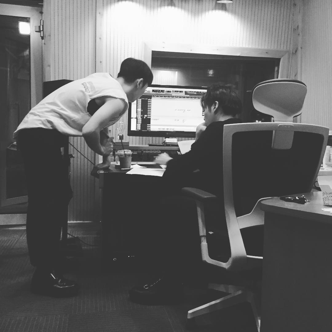 181218 Ingrid Studio Instagram Post  ingrid_studio: He was like the moon. Part of him was always hidden away.  This is the same recording session with Kibum and Jonghyun as posted by bumkeyk on January 23:  https://www. instagram.com/p/BeS5UezjEJO/  &nbsp;  <br>http://pic.twitter.com/ueXAtYJr32