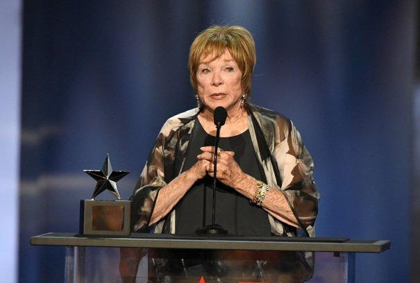 Shirley MacLaine To Receive AARP Movies For Grownups Career Achievement Award deadline.com/2018/12/shirle…