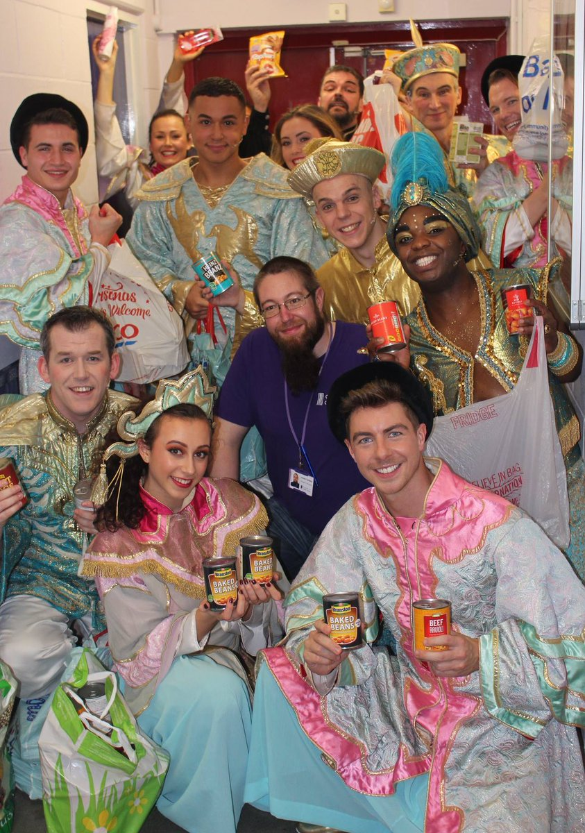 Sharing Christmas Cast.The Hawth On Twitter The Cast And Crew Of Aladdin And