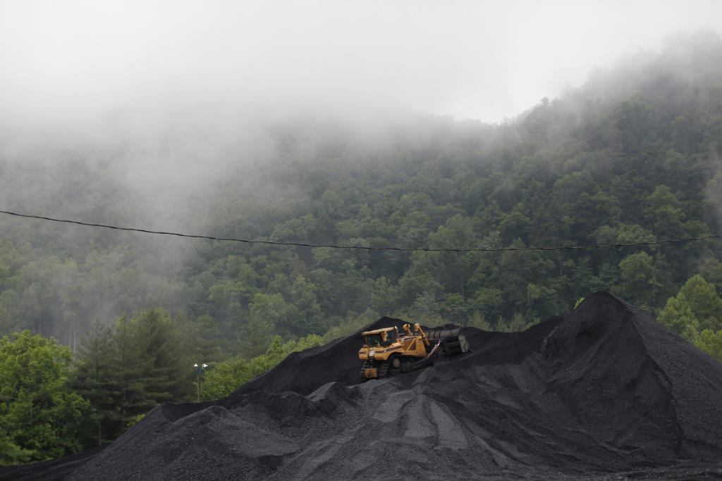 An epidemic is killing thousands of coal miners. Regulators could have stopped it. Read our new joint investigation with @NPR. https://t.co/BAAgmNEZtR