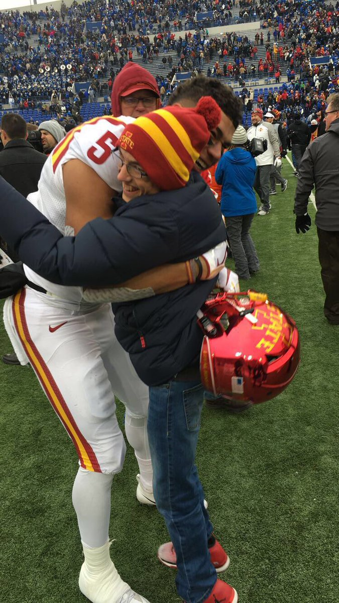 Did not think the legend of ⁦@AllenLazard⁩ could get any bigger in our family until we found out today he signed with the ⁦@packers⁩  Congrats Allen.  The Pollard Family, especially ⁦@jpollard_3⁩ <br>http://pic.twitter.com/eAkX79hu8V