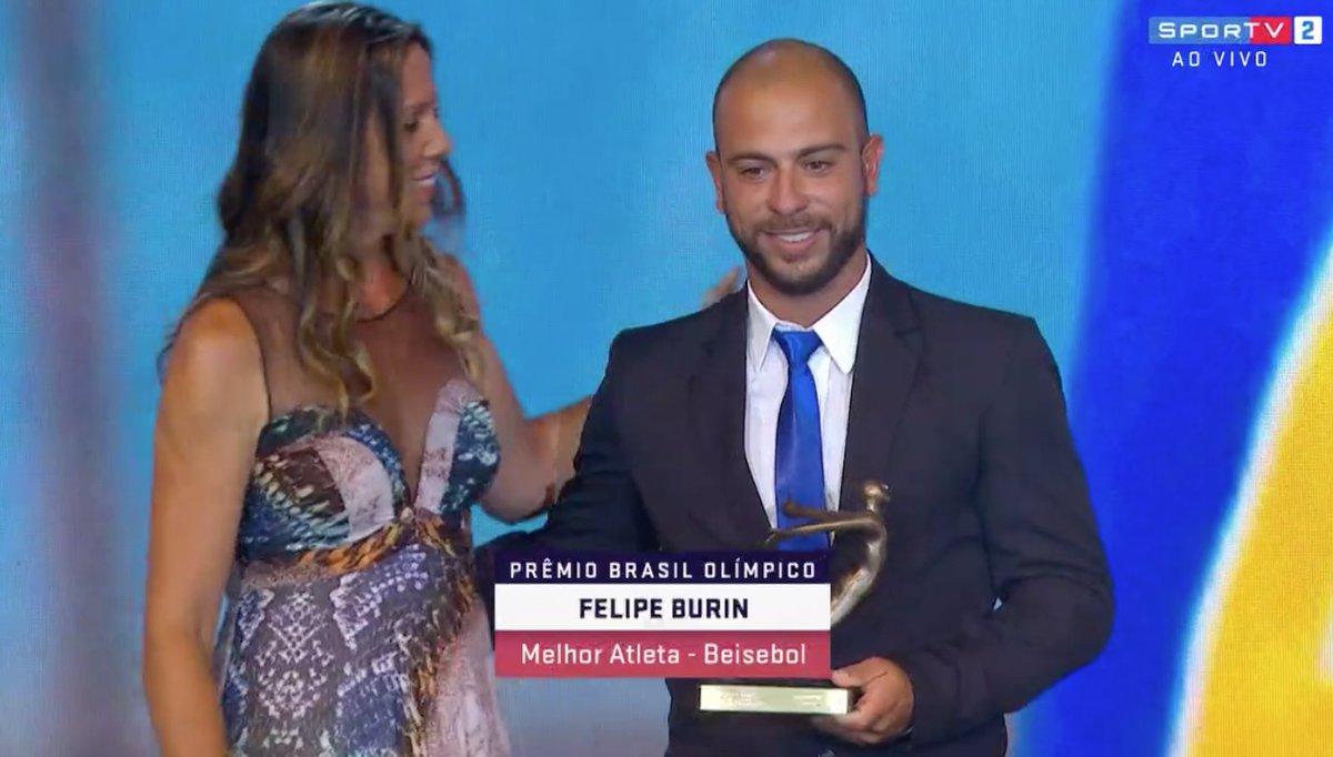 Prêmio para o campeão Sul americano de Beisebol. Valeu Felipe Burin!  #PBO2018