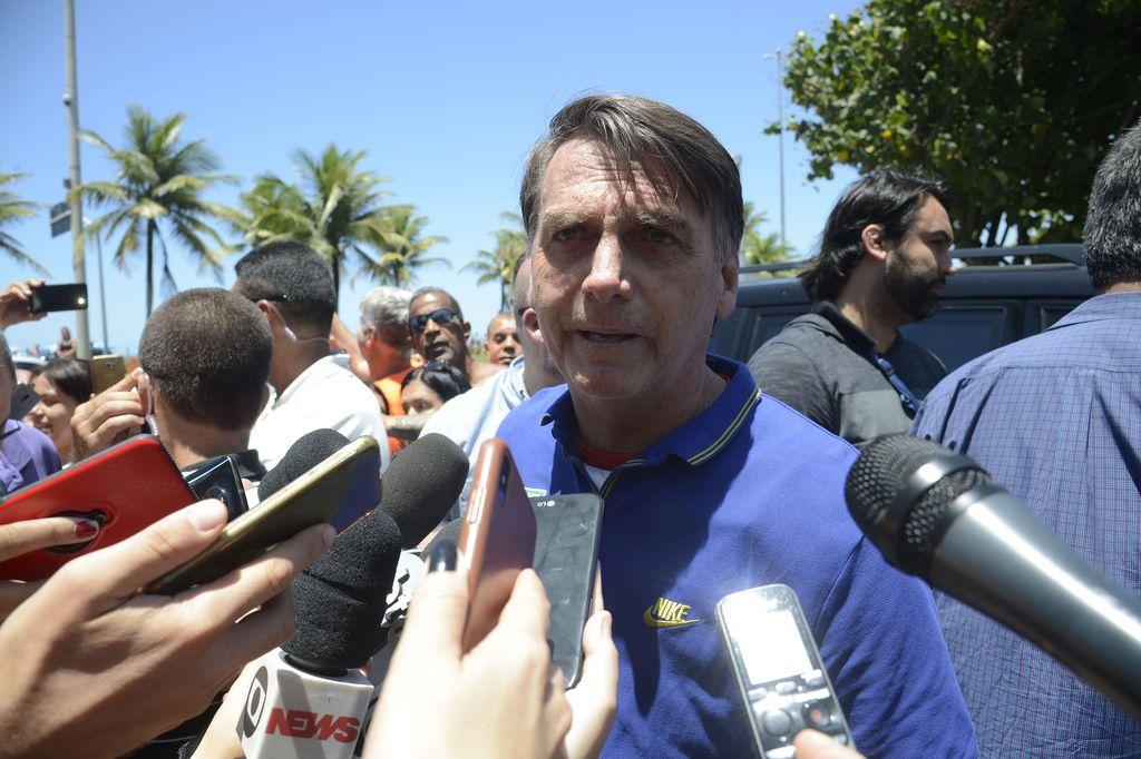 Bolsonaro diz que vai 'denunciar e revogar' Pacto Global da Migração. https://t.co/I1jrJ3Ivga 📷 Arquivo/Tânia Rêgo/Agência Brasil