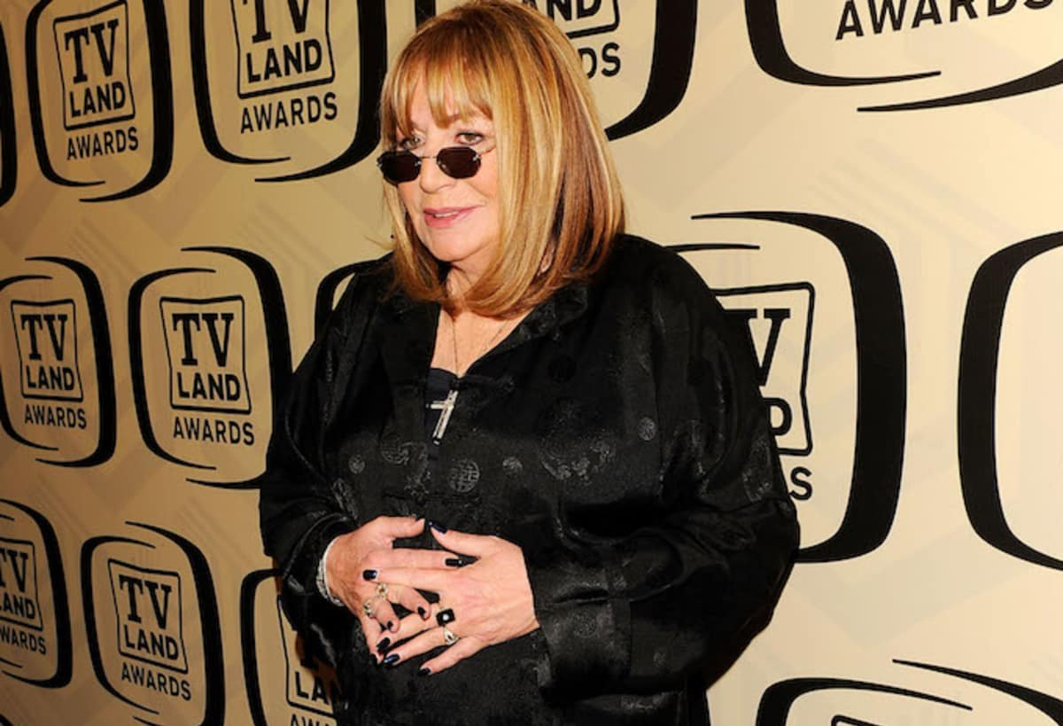Actress, comedian, and director Penny Marshall has passed away at age 75: https://t.co/Iu5IItQcLK