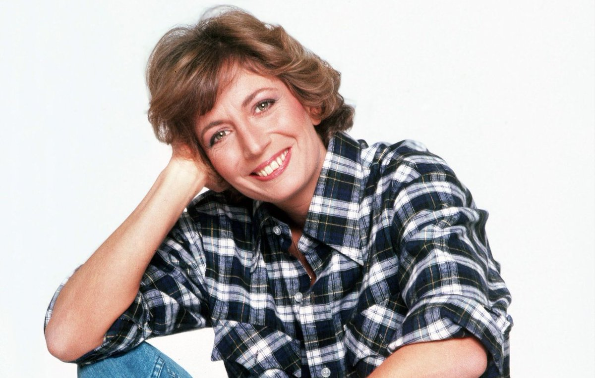 Penny Marshall, 'Laverne & Shirley' star and the director behind 'Big,' 'Awakenings' and 'A League of Their Own,' has died at age 75 https://t.co/44d3iNtGIk