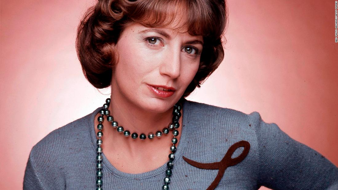 """Actress and director Penny Marshall, 75, is dead. She broke ground on """"Laverne & Shirley"""" and later with the films """"Big"""" and """"A League of Their Own."""" https://cnn.it/2UQxN0e"""