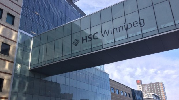 Man with scissors charged after woman attacked outside Winnipeg hospital https://t.co/J18mEBi3uw