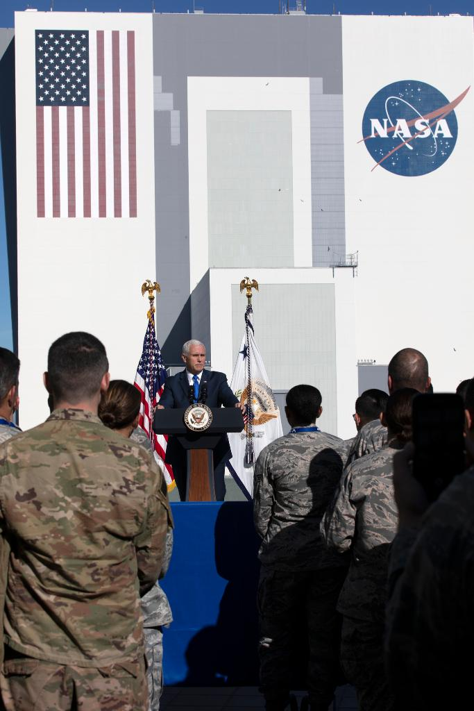 From launching the first Americans into space to launching future deep space missions to the Moon and Mars, @NASAKennedy is America's gateway to space. Today, @VP Mike Pence visited our facilities & met members of the . Mo@45thSpaceWingre: https://t.co/RPGoCicVRm